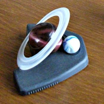 廃材などを材料にした土星おもちゃ